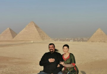 Action star Stephen Seagal and his wife visited th...