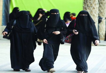Saudi Arabia: Women are allowed to stay in hotels...